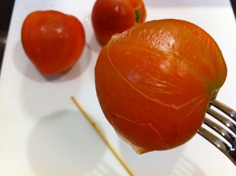 トマト皮むき